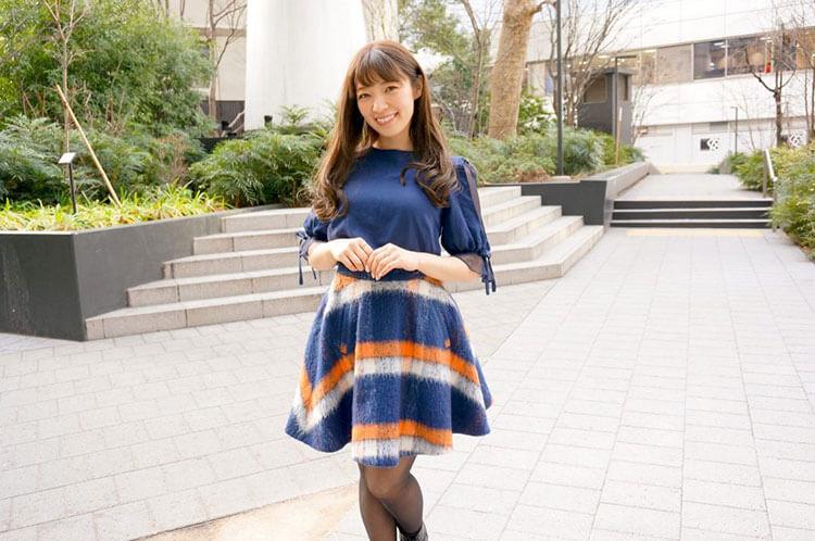 インタビューを受ける沙恵子さん