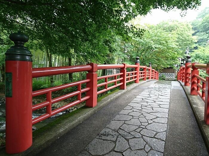寄り添い橋