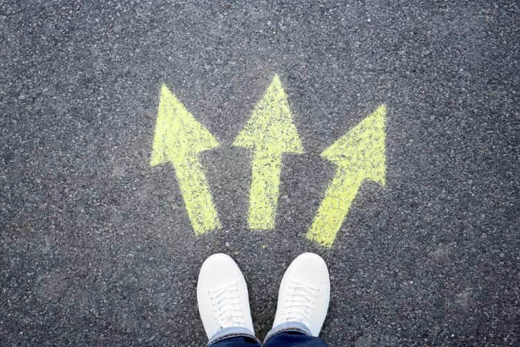 すれ違いの行く先を示す矢印