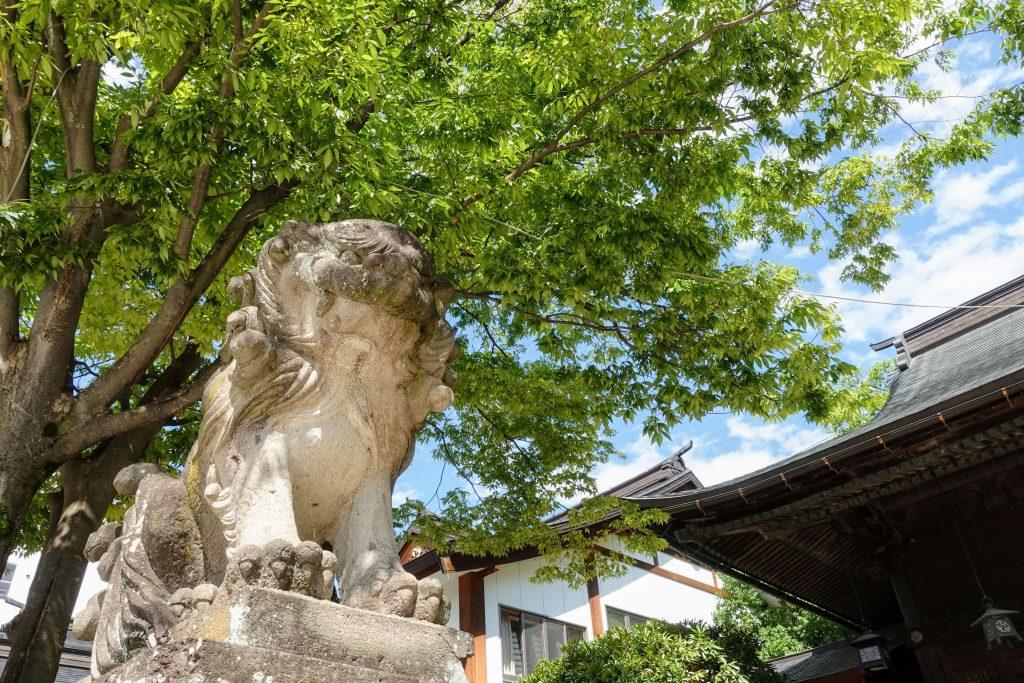 四柱神社の狛犬