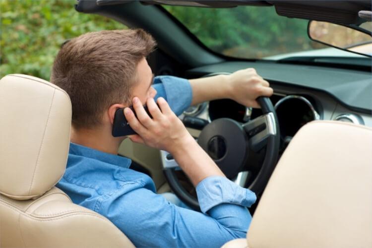 車を使う頻度の高さも不倫中の特徴