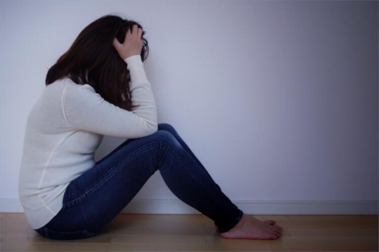 不倫によるリスクは女性の方が大きい?